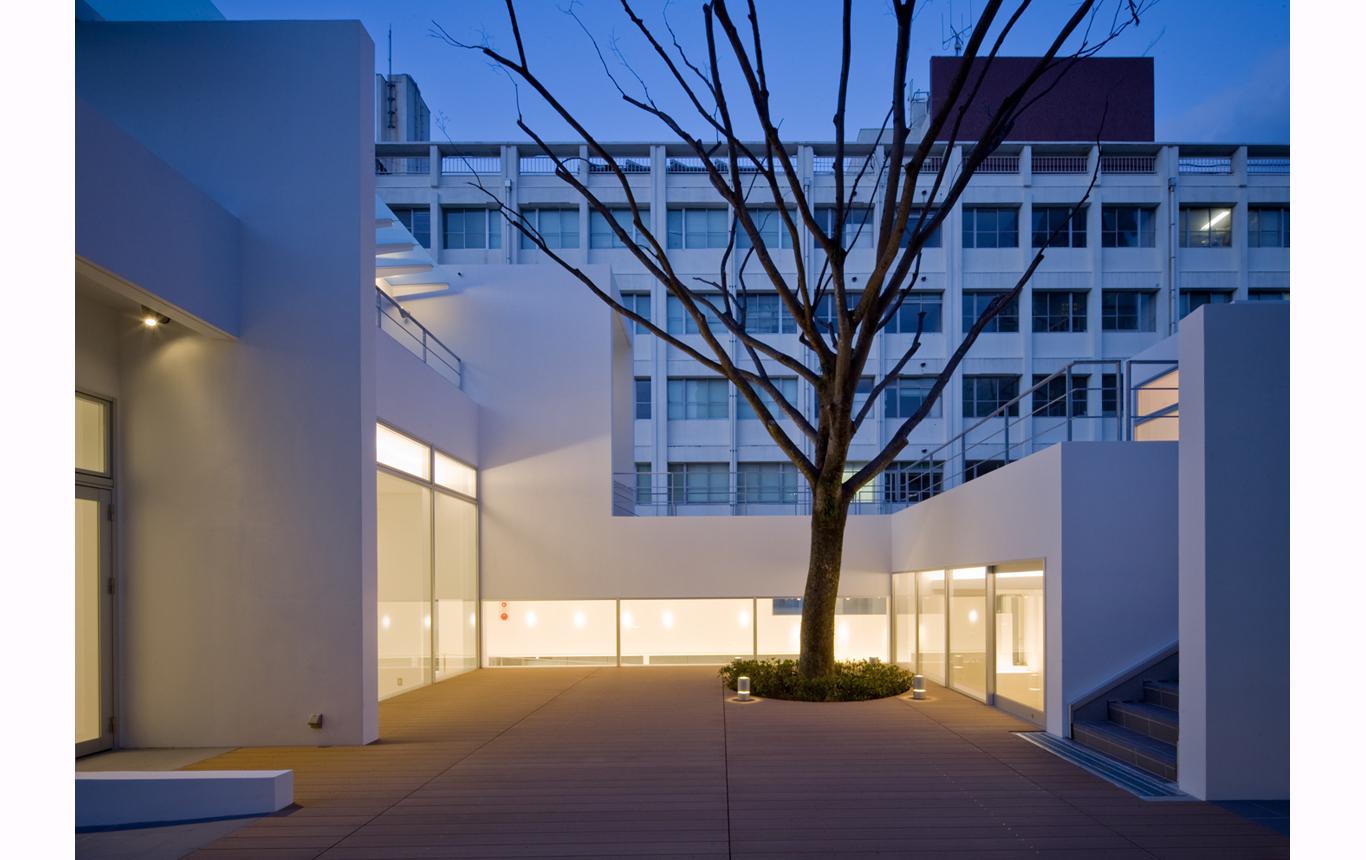 写真:北九州市立大学 学生交流スペース